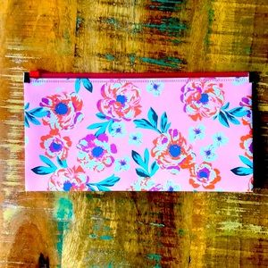 🌺4 Items $25🌺 Pencil Pouch NWT Pink Boho Floral